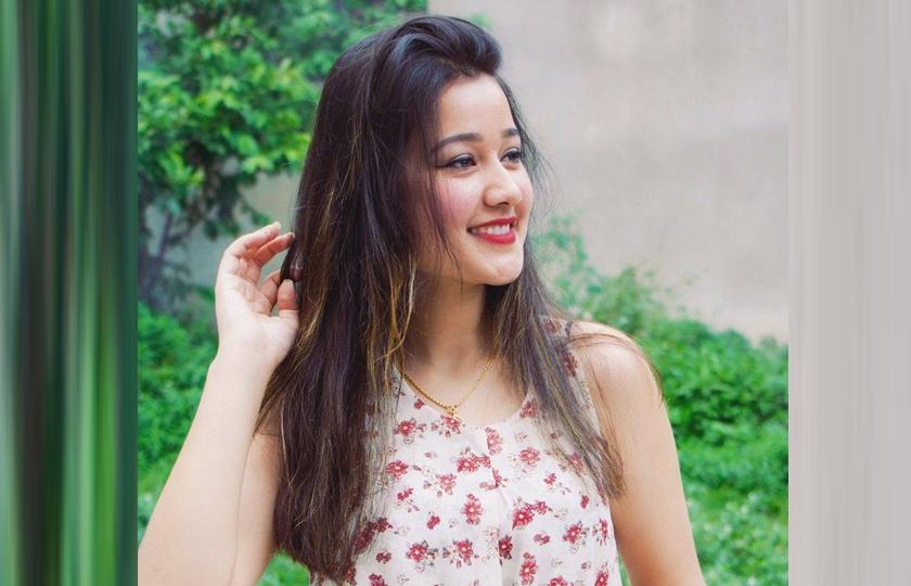 'मलाई चर्चित हैन, लोकप्रिय बन्नु छ' — रियाशा