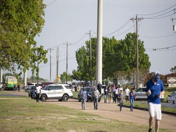 पार्कमा बसिरहेका मानिसहरुमाथि अन्धाधुन्ध गोली प्रहारः एकको मृत्यु, ६ घाइते