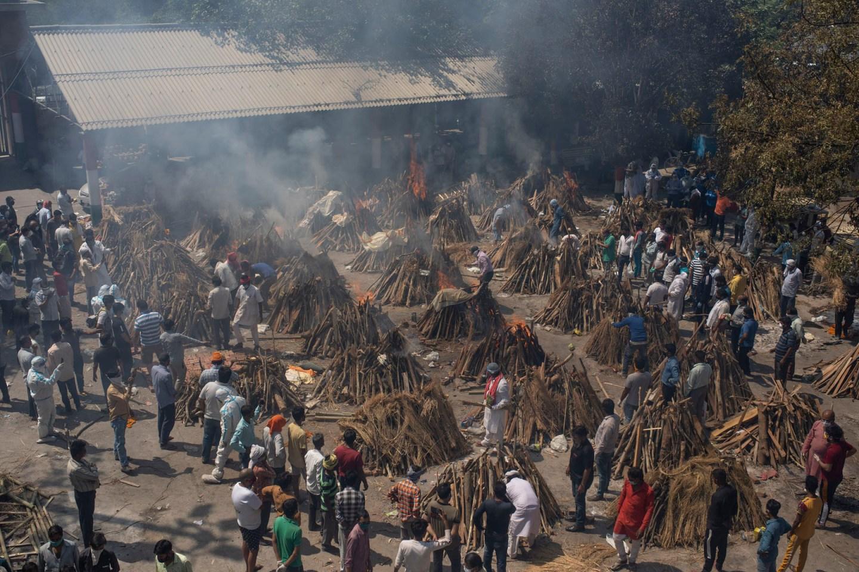 भारतमा दैनिक संक्रमण दर घटे पनि मृतक संख्या घटेन