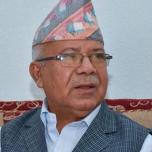 माधव नेपाललाई शुरुमै झड्का, 'जनताको बहुदलीय समाजवाद' नै विवादित