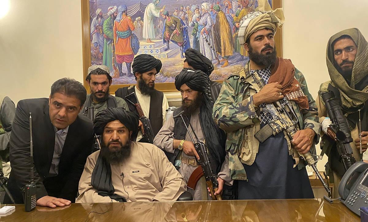 तालिबानले आफूलाई विजयी भएको दाबी, युद्ध पनि सकिएको घोषणा