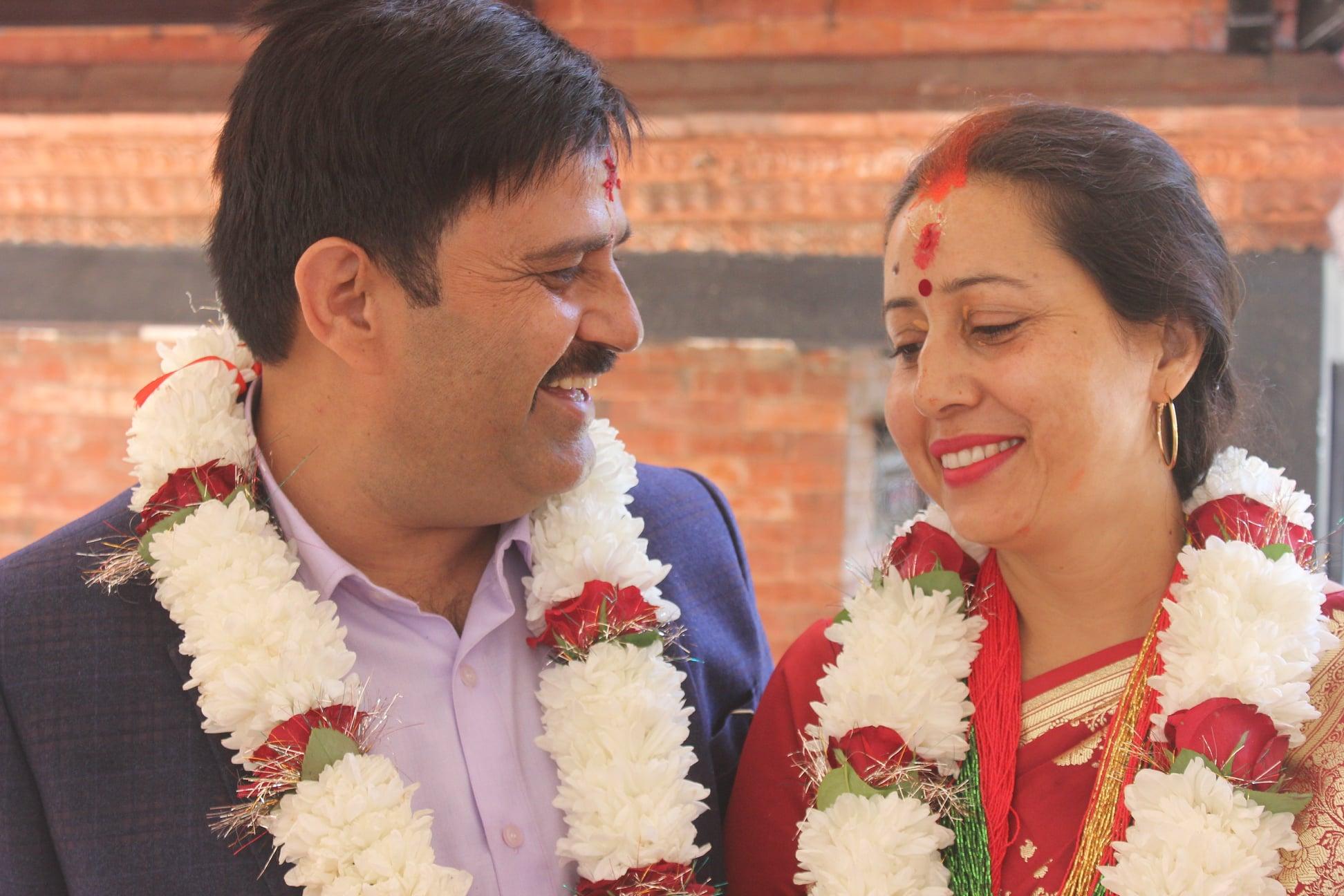विवाह बन्धनमा बाँधिए मनोज र मञ्जु
